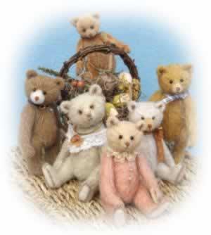 Nugget Bears by Britta Uhlendorff